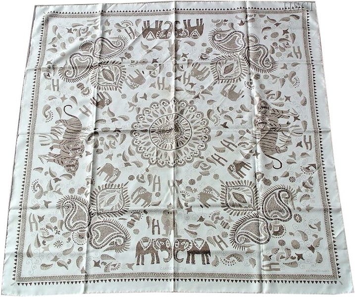 carre kantha white.jpg