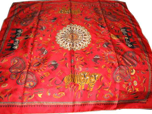 carre kantha red.jpg